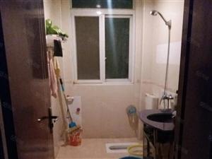 祈福新村3房出租,带有3台空调,1600月