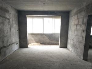 隆盛锦城电梯房4室141平方45万