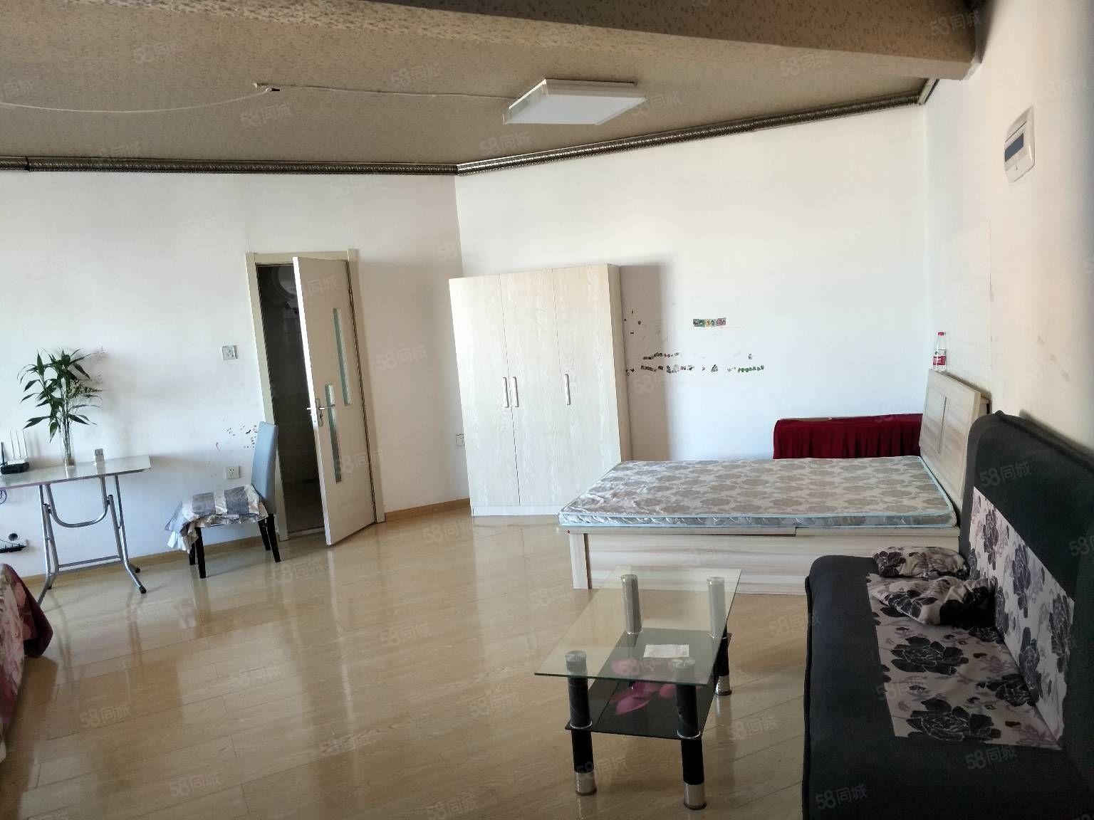 大商高层1室1厅60平米月付季度均可随时看房