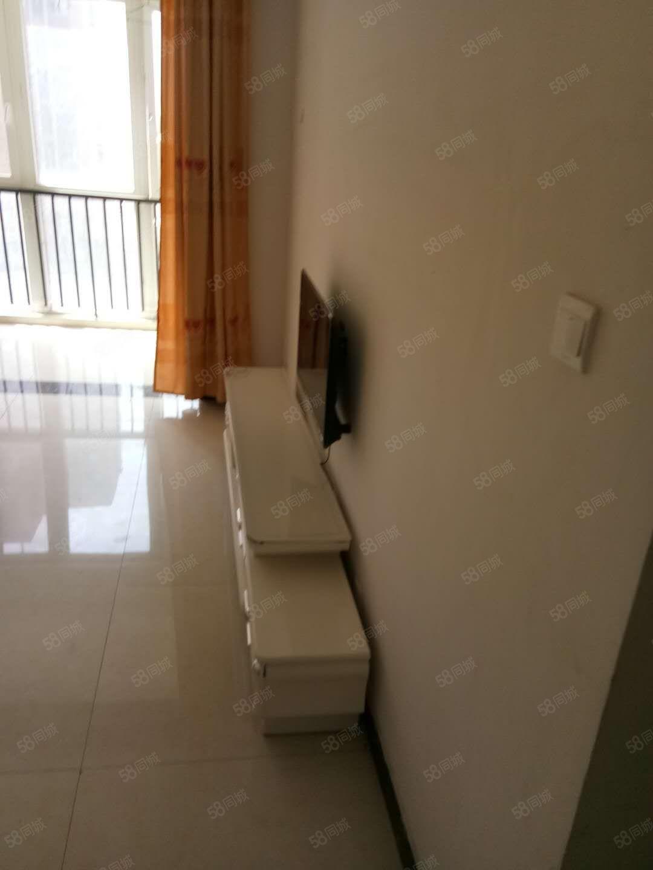 西寺庄社区一室一厅出租,家具家电齐全,拎包入住!