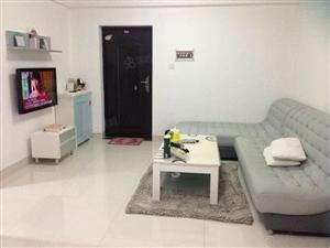 蓝天路名门广场紧邻国瑞城省政府正规1房1厅全套家私拎包入住。