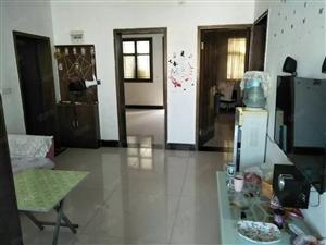 一中一小附近约90平2室新装修采光好套房