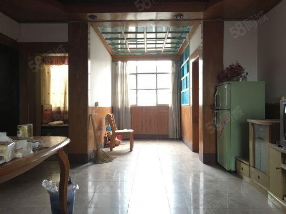 中卫农行生活区3室房,实惠的价格,你值得拥有。