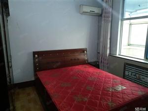 安居小区全套家具简装三室1000元每月