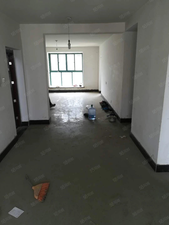 美高梅注册四季阳光城125平三室两厅简单装修5楼带储藏室42万