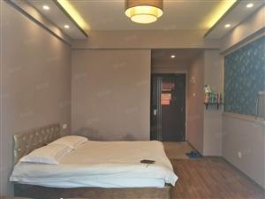 江滨板块沿江2号单身公寓出售!单价14200一平!