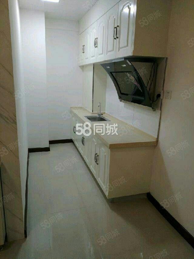 泛华公寓,一室一厅,精装房,850一个月
