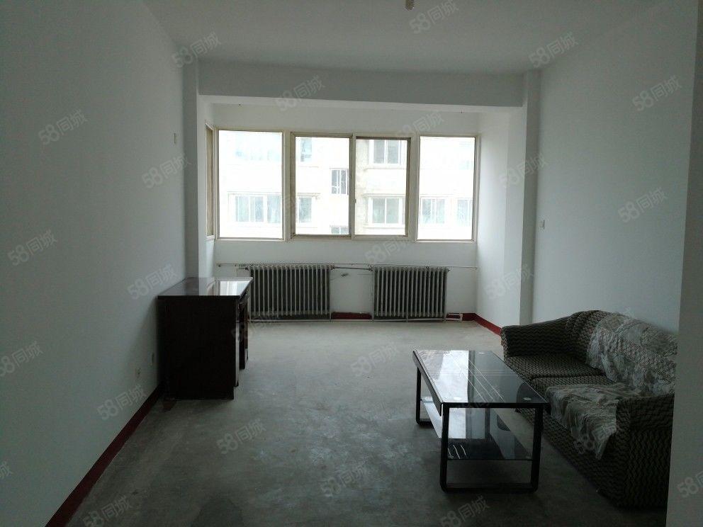 培黎广场兰空汽修厂两室两厅一卫家具齐全看房子方便