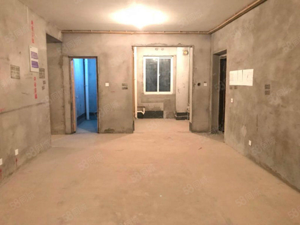 尚都汇3房2厅1卫107平方60万紧邻汽车站