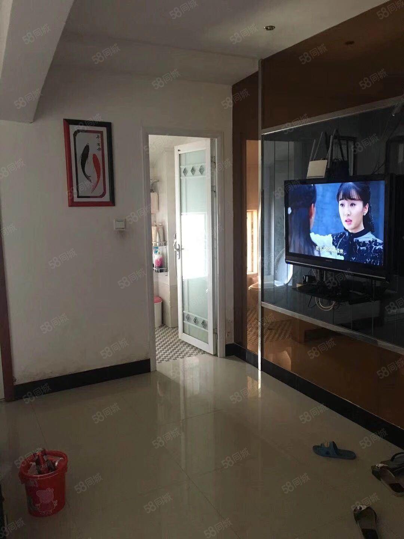 滨江花城高层精装修,送家具家电,有超大露台