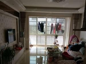 安置房精致装修拎包入住,一楼杂物间28平方米也已经装修好了