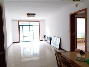 城东临风尚居多层3楼简装2室+柴房产证齐全可按揭!