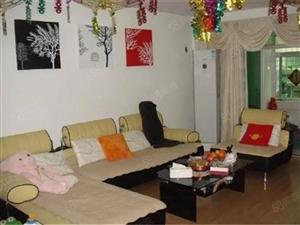 万达沃尔玛周边金城花苑3房2厅2卫3000出租看房方便