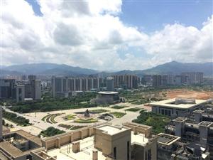国贸天悦毛坯,高楼层南北通透,包车位只要208万就卖一天