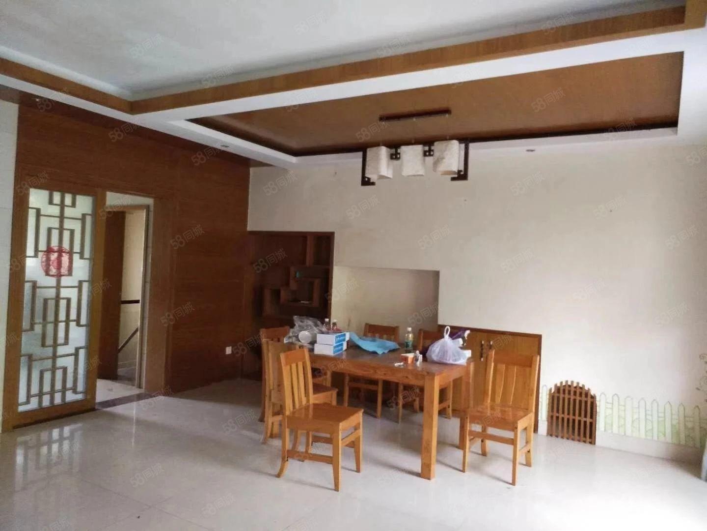 中惠沁林山庄240平方复式4房家私家电齐全