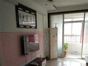 东方明珠电梯房家具齐全集体供暖干净月租1500元