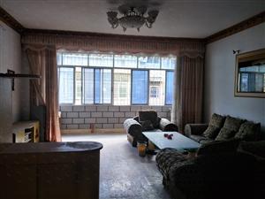 大三房,一口价,简装带家具家电,拎包入住,阳光充足