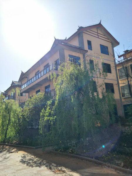 丽江产权式酒店公寓,年固定回.报8个点,11年免费赚一套房