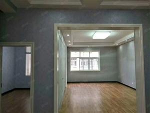 天鹅山庄精装修房3房2厅2楼仅售76万