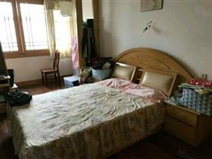 二小附近,健康小区3楼,2室1厅1卫,850元。