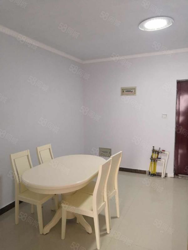 左岸国际一室一厅,精装修,家电家具齐全,拎包入住!