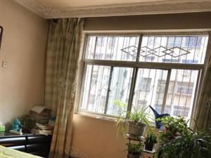 二楼,有证有暖气。临近湛河,学校,诚心bet36体育在线网站看房方便