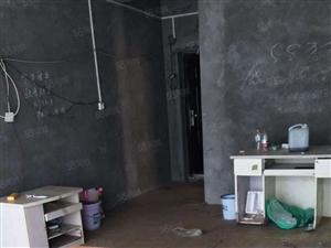 泸县龙城水岸3室2厅1卫100平方住房出租!