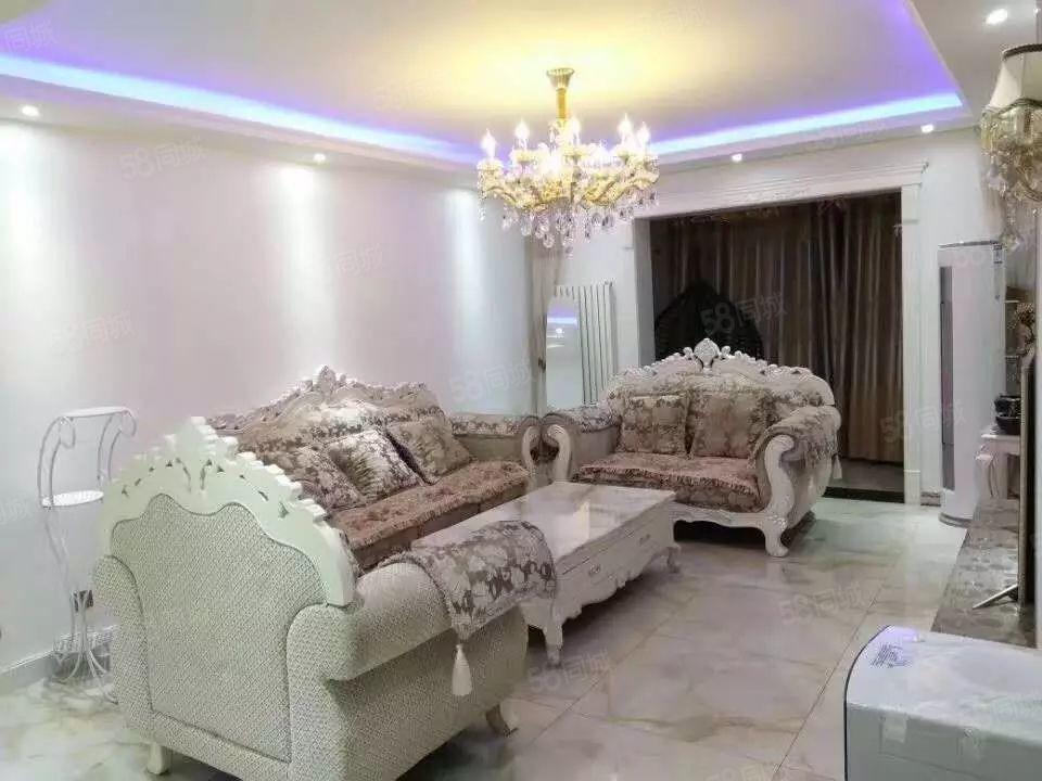 永威东棠精装两室欧式家私家私齐全随时看房拎包入住