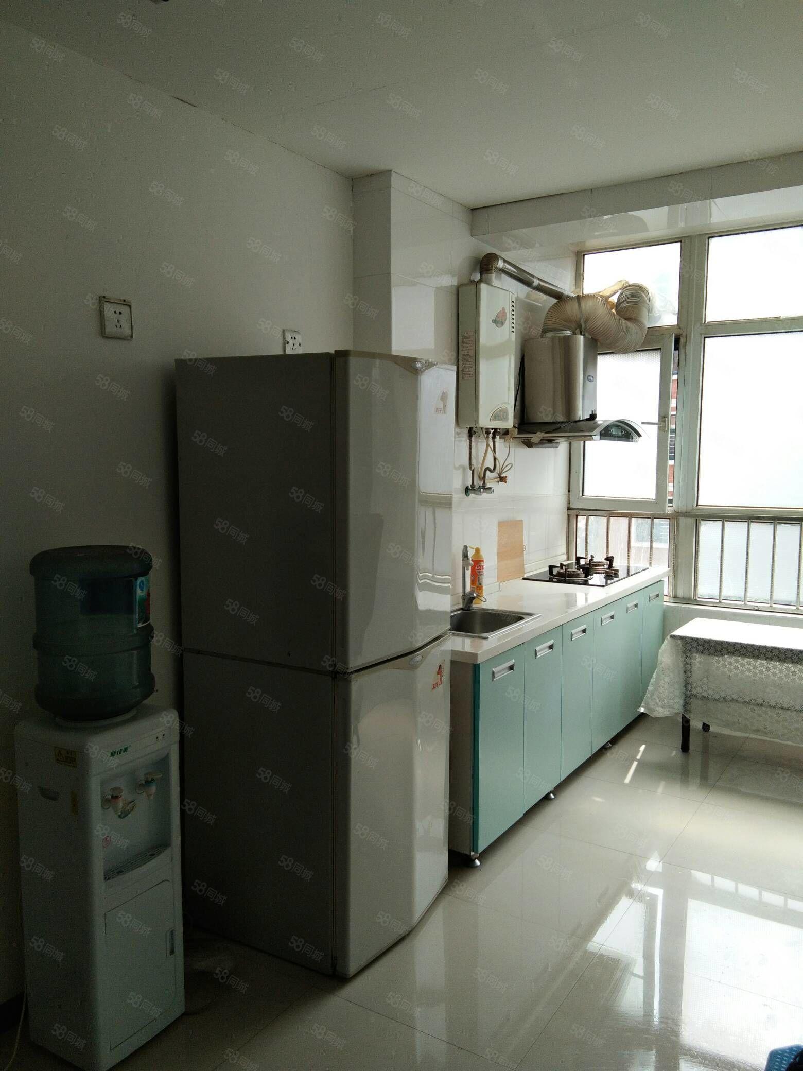 清华苑中装小两室家具家电有空调年付1.4万