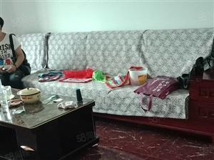 大欣城有豪华装修房子出租,88平米,拎包入住,1200一个月