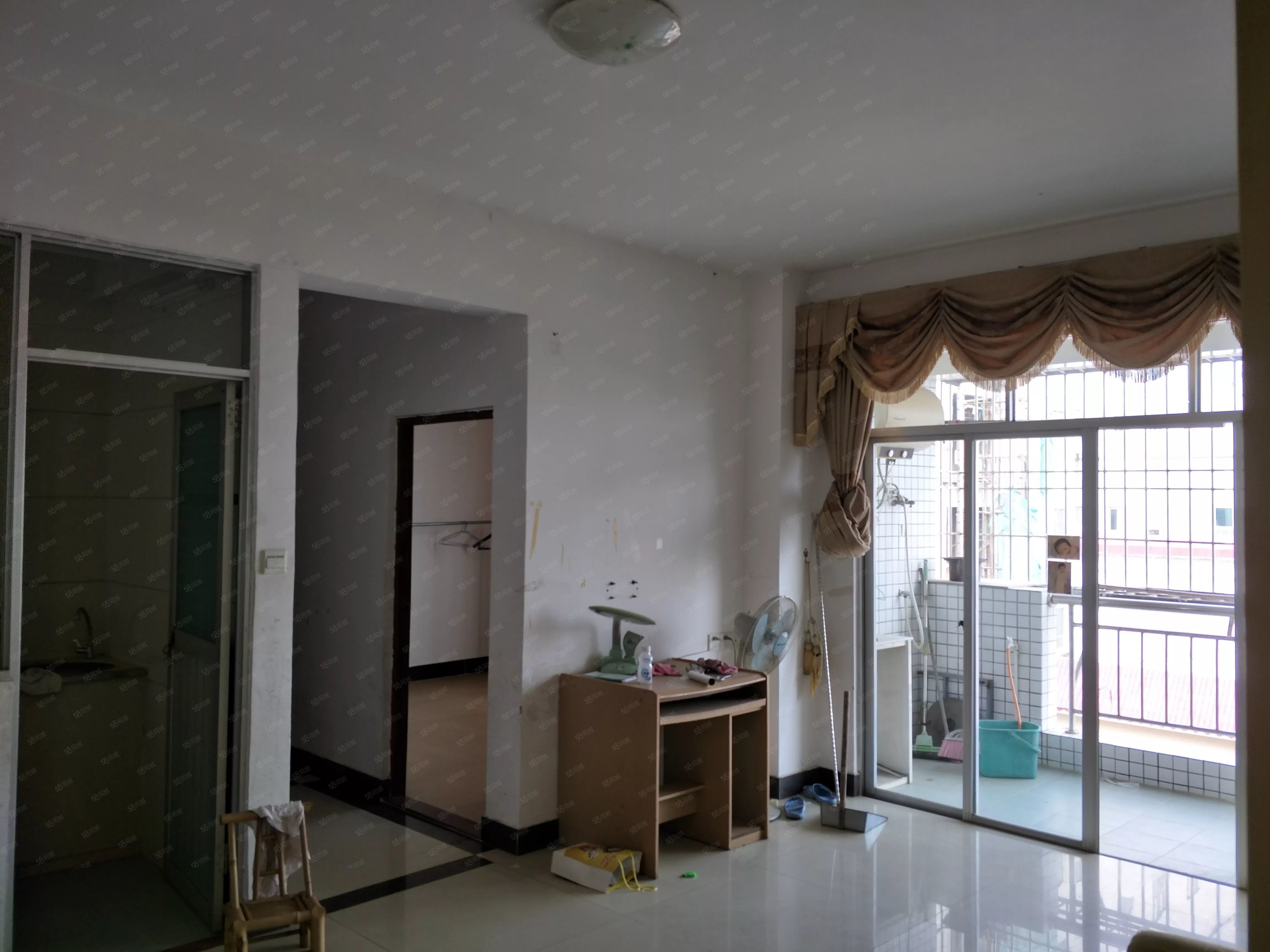 阳东实验小学旁东和小区,二房二厅二卫