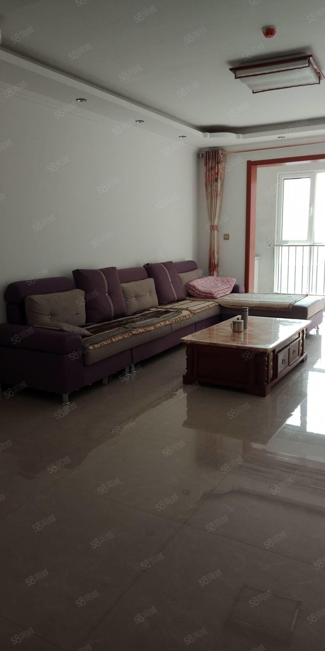 雁门小区精装房出租,126平米,高层,一个月1200元,家具