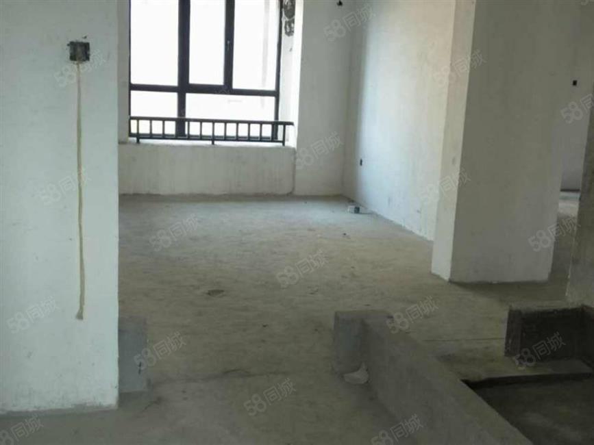 万达华城刚需两房毛坯价格震撼房东急售一口价只卖3天