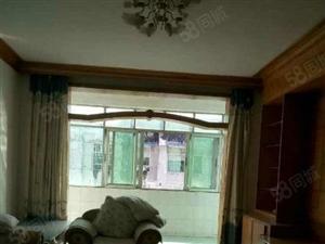 急租市中心背山路120平方米2室2厅精装修