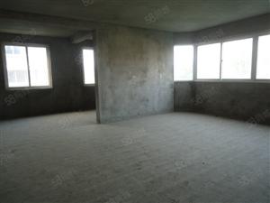 一品嘉苑3室2厅2卫134平米4楼带8平米杂物间