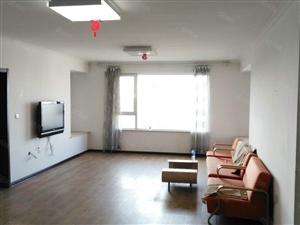 急租!石化新区,122平包取暖,超大两室,带家具家电,电梯房