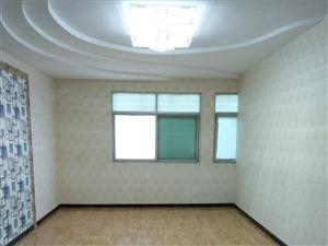 名泉小学附近名泉小区三室两厅精装修步梯4楼