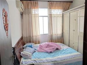 金穗大酒店附近三室一厅30.2万出售性价比高