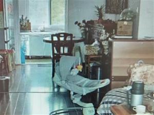 凤麓湖畔精装3室2厅,带家具家电手续齐全随时看房。