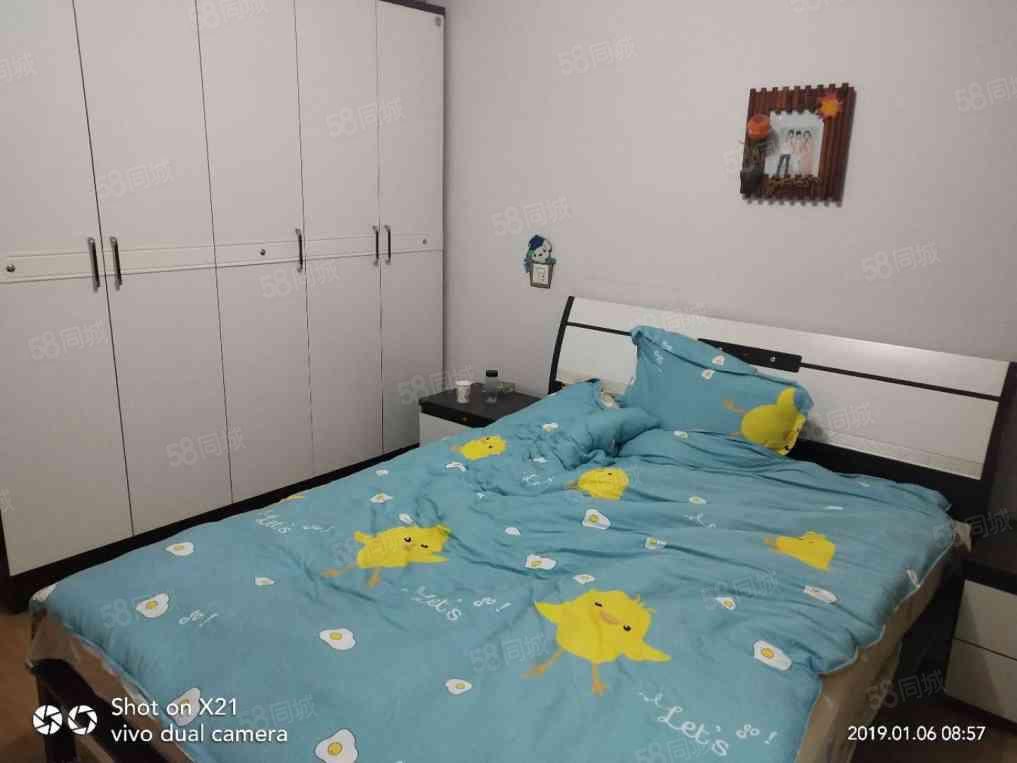 梓锦锦福苑A区3室2厅2卫128平方租1000元/月