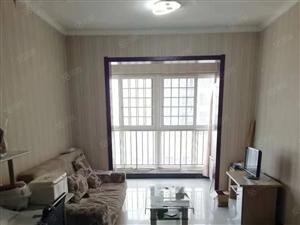 凤城五路西安中�W对面标准一室家具家电齐全可拎包入住