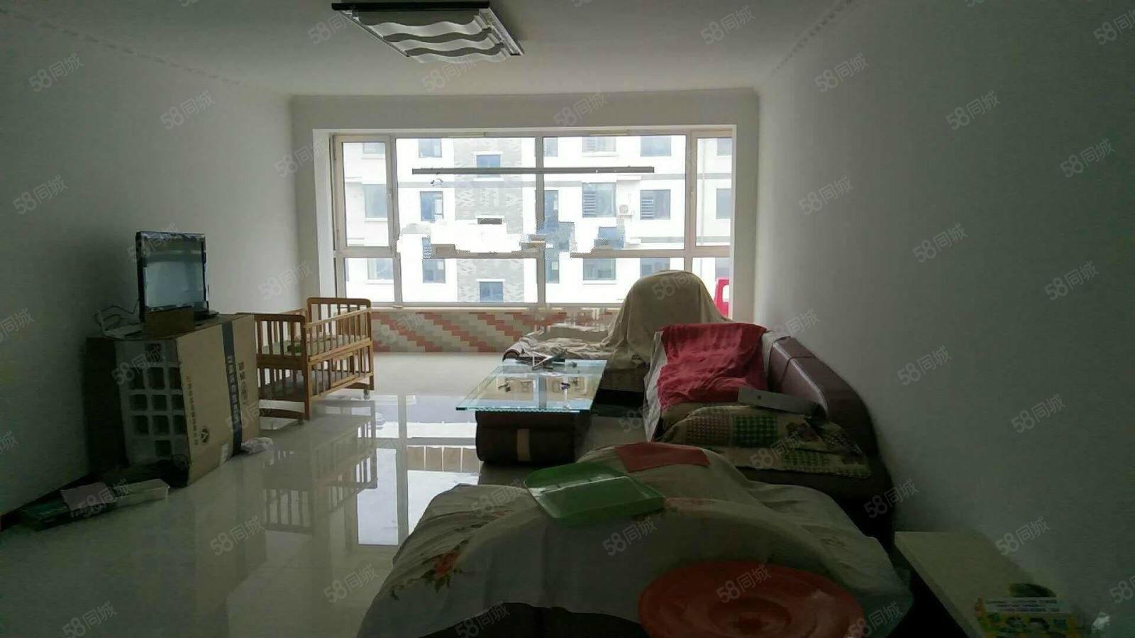 水木清华3室2厅2卫家具家电齐全,年租1.8万拎包住
