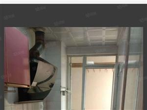 锦绣公馆三室一厅一卫地段繁华,干净卫生,拎包入住