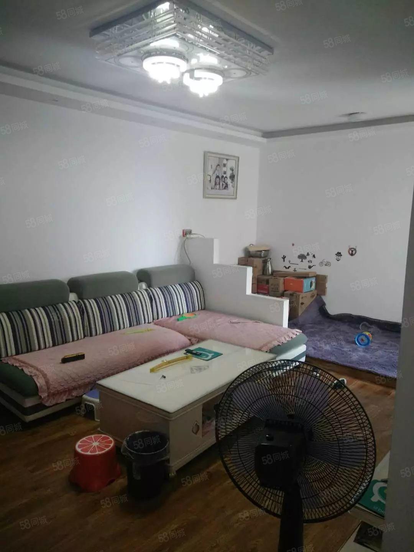 南大街市中心三号地铁口经典小两室房屋明亮通透位置好
