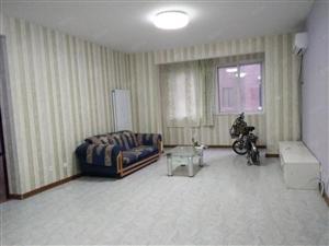 罗马人文嘉园三室一厅简单家具齐全拎包入住