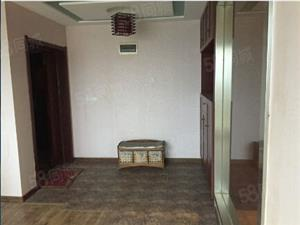 博园精装3房2厅租1800拎包入住