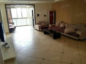 豪德水岸新天3800元4室2厅2卫精装修,环境幽静,
