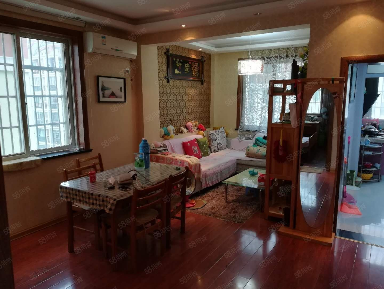 美高梅注册嘉园小区4楼多层精装拎包住环境优雅3室一厅送装修