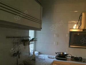 西城金利公寓3室2厅130平米简单装修年付