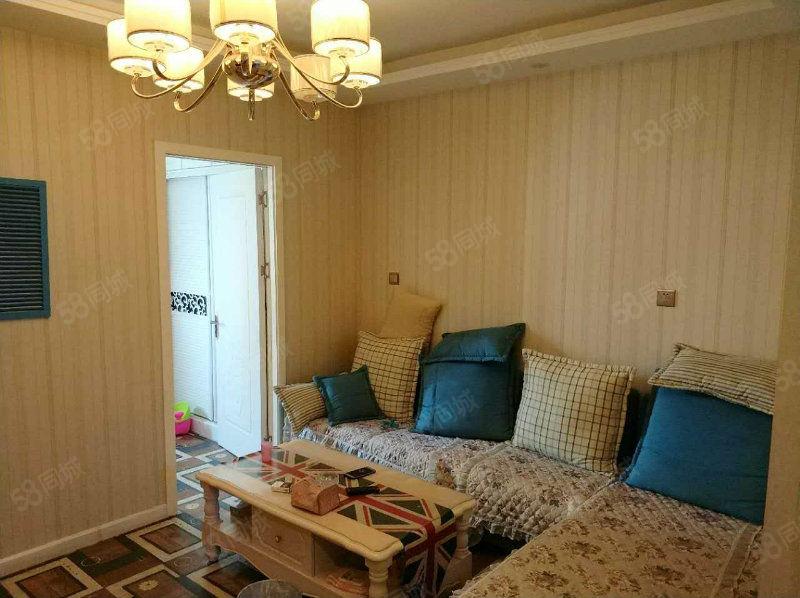 郑东新区绿地卢浮精装一室一厅厅卧分离家电齐全拎包住